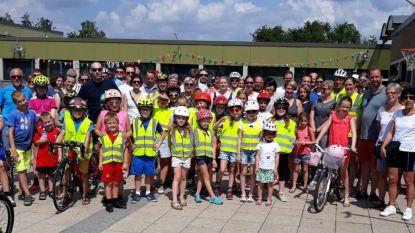 Leerlingen gemeentescholen fietsen 23 kilometer