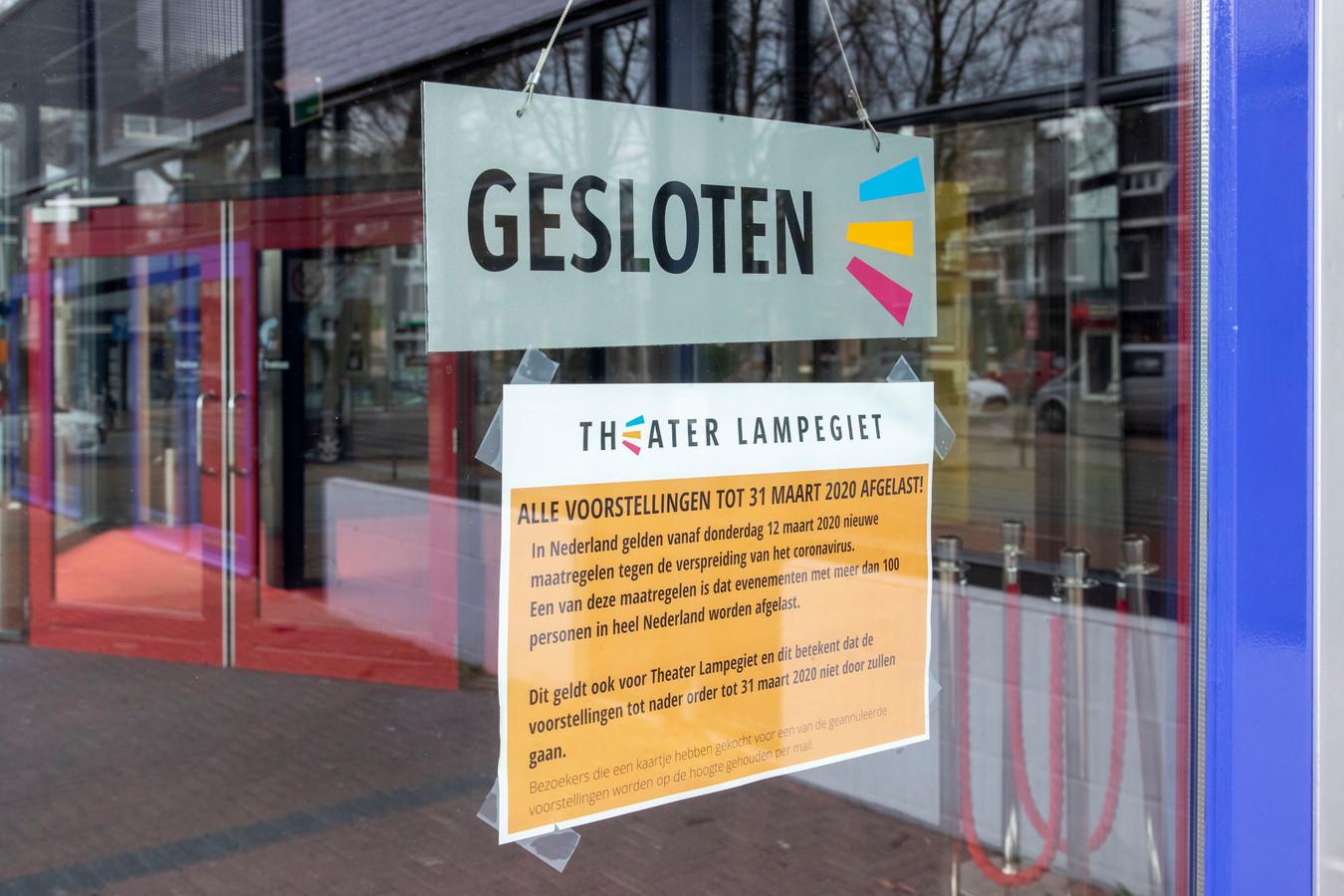 Theater De Lampegiet is inverband met de bestrijding van het coronavirus tot 31 maart gesloten.