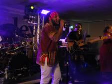 Tributeband Rootriders houdt aansprekend eerbetoon aan Bob Marley in Fletcher Hotel Rosmalen