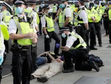 Britse politie arresteert 680 betogers bij klimaatprotesten in Londen