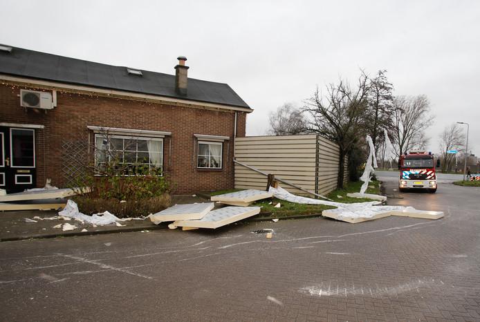 Stormschade aan de Amerweg in Zwijndrecht.
