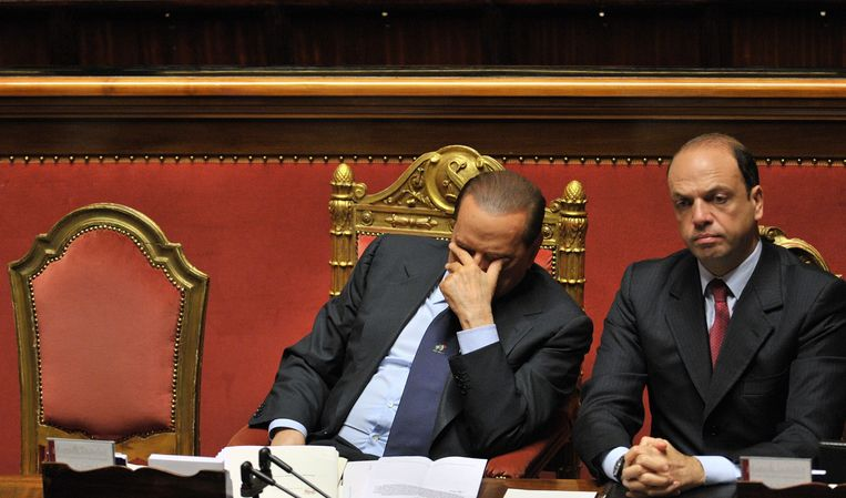 Silvio Berlusconi met Angelino Alfano. Beeld AFP
