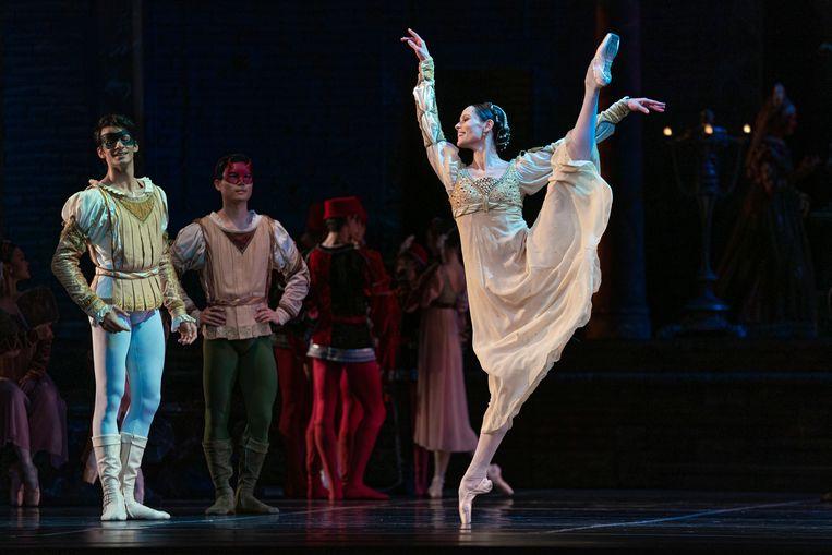 Igone de Jongh als Julia in 'Romeo en Julia', een ballet van choreograaf Rudi van Dantzig.  Beeld Altin Kaftira