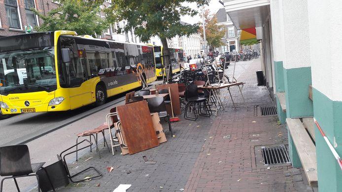 Ravage nadat een auto vorig jaar een terras aan de Voorstraat opreed.