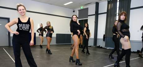 Negen danseressen nemen Peeriscoop voor één nacht over: 'Het is een sexy voorstelling'