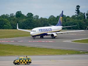 Ryanair annonce fermer des bases aéroportuaires