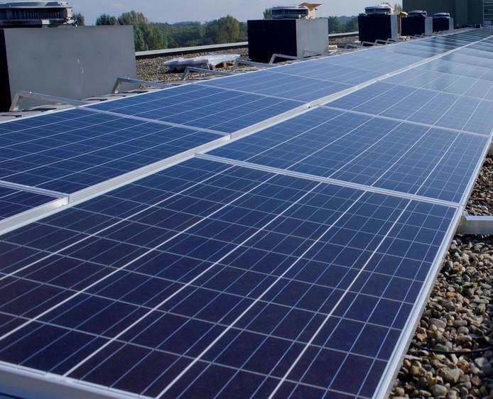 De zon levert vanaf dit jaar de energie op de gemeentewerf aan de Derde Broekdijk in Aalten.
