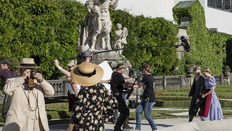 Opnamen voor The Trapp Family A Life of Music in het Salzburger Mirabellpark. Beeld Foto J. Betke