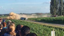 Rallywagen knalt bijna op publiek in Ieper