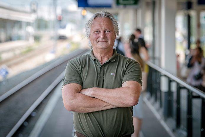 Vertrekkend ProRail-baas Pier Eringa op station Amsterdam Zuid