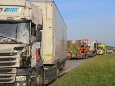 Vrachtwagenchauffeur aangehouden na botsing met andere vrachtwagen in Dordrecht