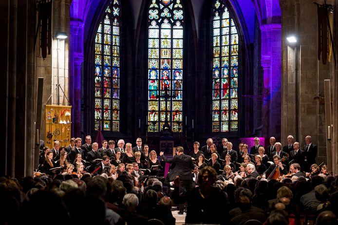 Een eerdere uitvoering van de Matthäus Passion in de Plechelmusbasiliek in Oldenzaal.