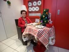 Hema-toiletjuf Ine stopt na 30 jaar; 'Dit is het schoonste toilet in hartje Doetinchem'