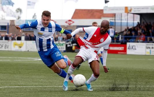 Rik Impens (hier tijdens het duel met Ajax van vorig seizoen) zette Hoek zaterdag nog wel op 1-0.