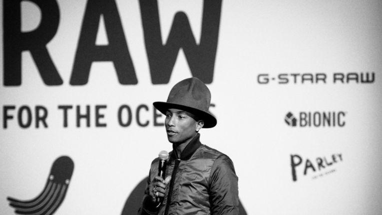 Pharrell Williams bij een presentatie van G-star Beeld BFA