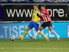 Robert Mühren laat Jong PSV zien hoe ver de lat nog omhoog moet