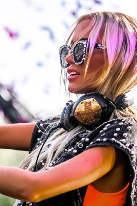 "La DJ maudite de Tomorrowland: ""Je ne suis pas une incapable"""