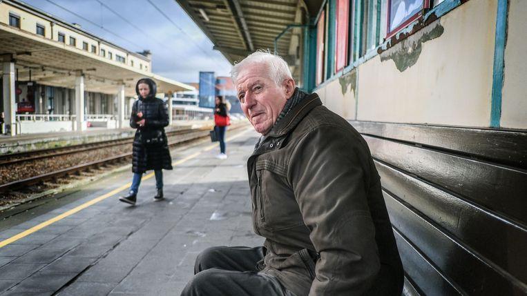 Willy liet de liefde van zijn leven 472 dagen geleden van de trein stappen, in Kortrijk. Zonder haar gegevens te vragen.