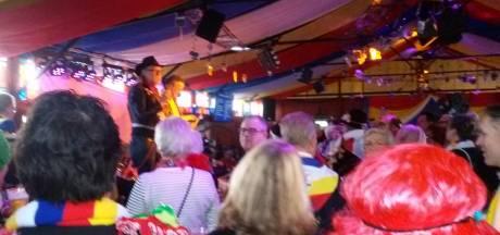 Gestels dorpsplein stroomt vol tijdens carnavalsmiddag