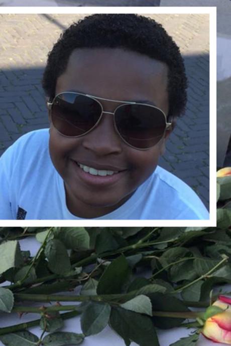 Geen wensballonnen bij stille tocht voor overleden Ezra (13)