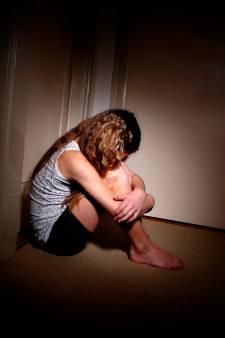 Opa (90) uit Deventer moet cel in na misbruiken eigen kleindochters: 'Hij heeft ze onder druk gezet'