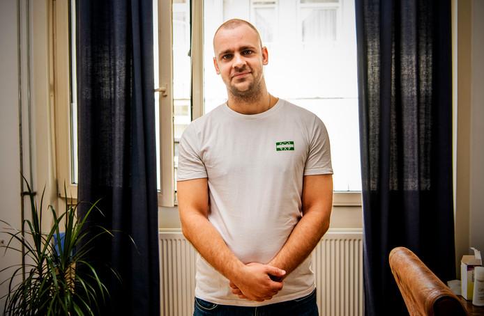 De Nijmeegse wetenschapper Emiel Maliepaard heeft voor de Radboud Universiteit onderzocht hoe zichtbaar biseksualiteit in Nederland is. Zijn conclusie: er is nauwelijks aandacht voor. Foto: Frank de Roo