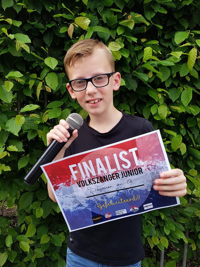 Daymian van Os is finalist bij Volkszanger Junior.