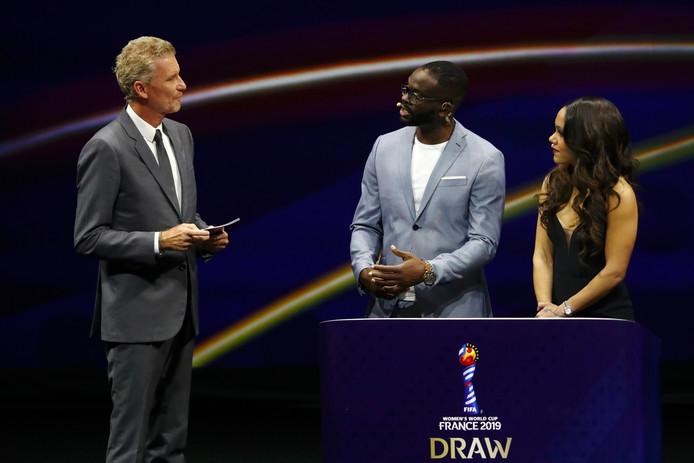 De loting voor de WK vrouwen in Parijs.