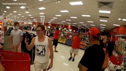 "Amerikaanse 'flashmob' in supermarkt: ""Doe je mondmasker uit!"""