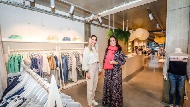 """Sarah (37) en Evelien (36) van Elle Nord openen nieuwe kinderboetiek in volle coronacrisis: """"Het is niet vanzelfsprekend geweest"""""""
