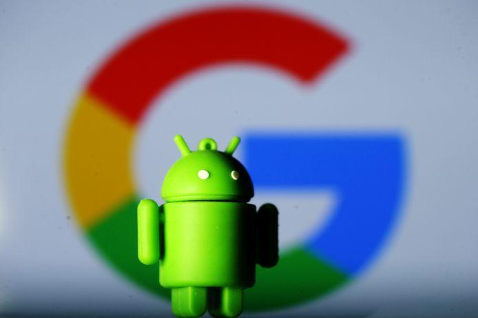 Een Android-mascotte voor het logo van Google ter illustratie.