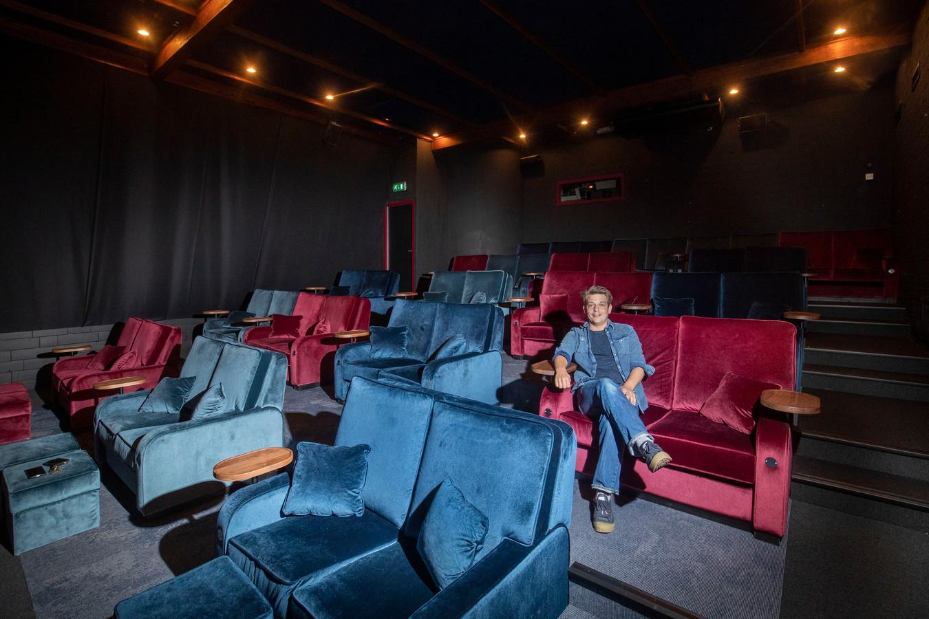 Tom de Bont van bioscoop Heerenstraat Theater heeft maatregelen genomen om te voldoen aan de nieuwe corona-eisen.
