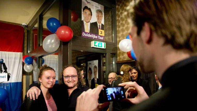 HAAG - PVV-kamerlid Dion Graus (M) gaat op de foto tijdens de verkiezingsavondvan zijn partij na de gemeenteraadsverkiezingen. Beeld anp