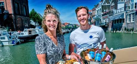 Pim en Monica brengen levendigheid op de Dordtse wateren: 'Dordrecht is echt uniek'