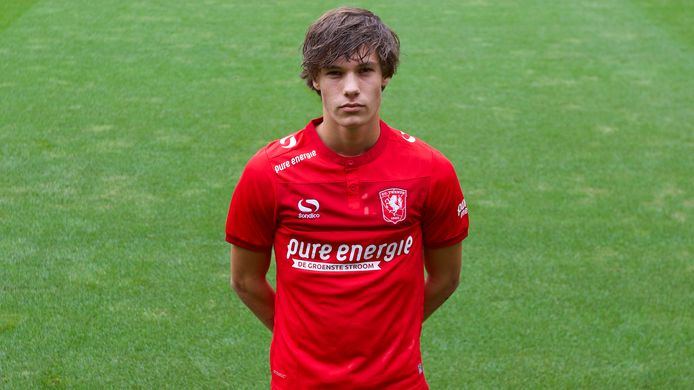 Thijs van Leeuwen heeft een nieuw contract getekend.
