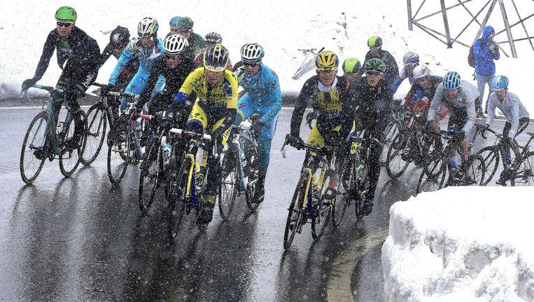 Heroïsche maar vooral ook gevaarlijke taferelen op de Stelvio vorig jaar, dit wil de UCI naar de toekomst toe vermijden.