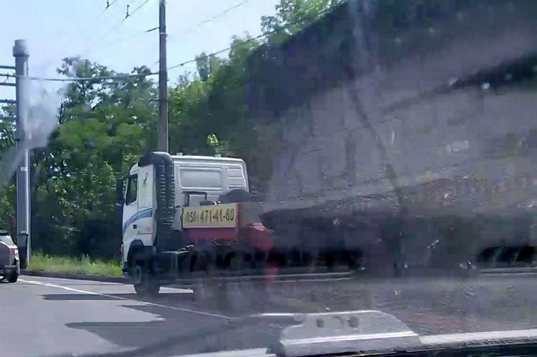donetsk | 17 juli 2014. De Volvo-oplegger zet koers naar Saoer Mogila Beeld