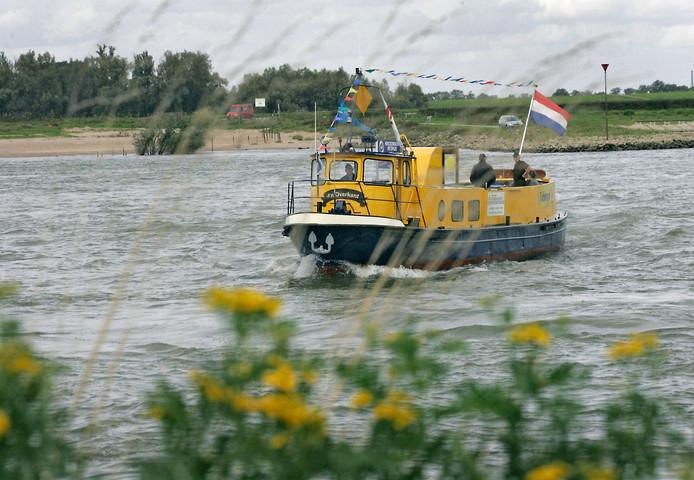Fiets- en voetveer D'n Overkant, dat al sinds 2000 tussen Druten en Dodewaard over de Waal vaart. De afgelopen zeventien jaar werden maar liefst ruim 222.000 recreanten overgezet.