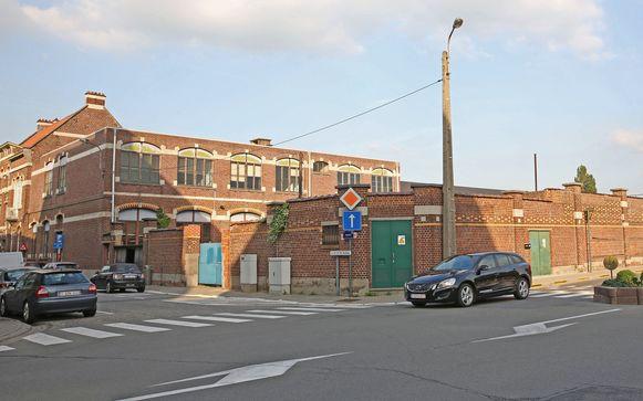 Buurtschool De Winde is gelegen op de hoek van de Albertstraat en de Halleweg.