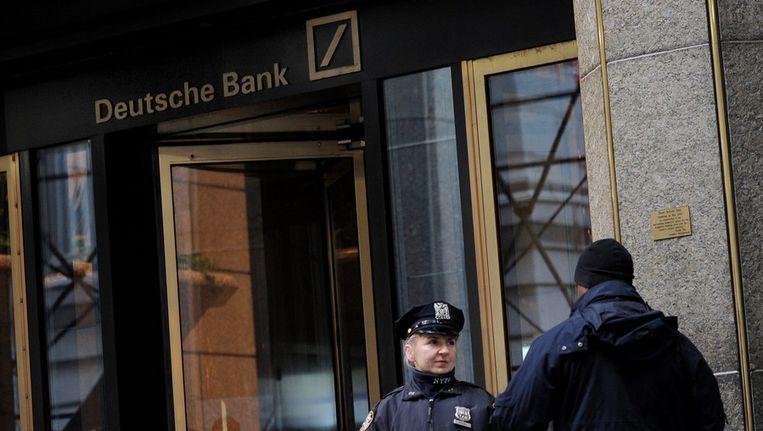 Kantoor van Deutsche Bank in New York in 2011 na een bommelding. Beeld anp