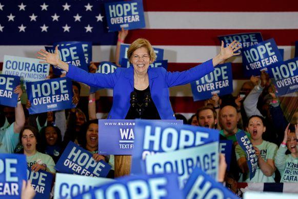 Kandidate Elizabeth Warren spreekt haar aanhang toe in Des Moines, Iowa. (03/02/2020)