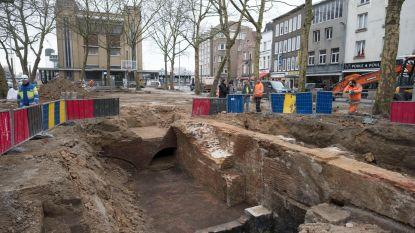 Brocantemarkt Sint-Jansvliet verhuist naar Oever