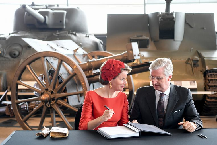 Het staatsbezoek aan Canada heeft koning Filip ook naar het Canadian War Museum gebracht.
