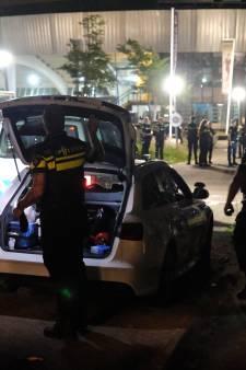 Wildwest-taferelen aan Abraham van Stolkweg: twee gewonden bij schietpartij, tieners aangehouden