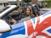 Het Avila College zet eindexamenleerlingen in het zonnetje met snelle sportauto