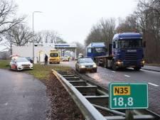 N35 bij Raalte weer vrij na ongeval met vrachtwagens