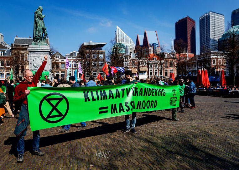 Actievoerders op het Plein in Den Haag vroegen vorige maand ook aandacht voor de gevolgen van klimaatverandering Beeld ANP