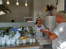Loempiakraam Oss dicht, nieuw afhaalpunt in oude Arons geopend