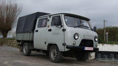 Na bijna twee jaar administratieve rompslomp: auto van molenaar Mike Ekelschot eindelijk ingeschreven