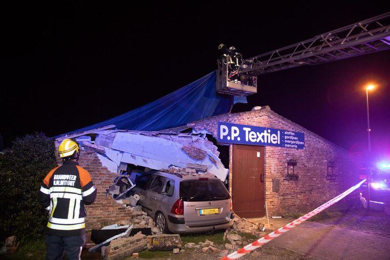 Twee maanden geleden: hulpdiensten beveiligen de plaats van het ongeval.